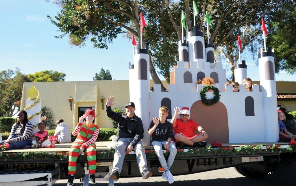 Camarillo Christmas Parade.Families Flock To Parade Camarillo Acorn
